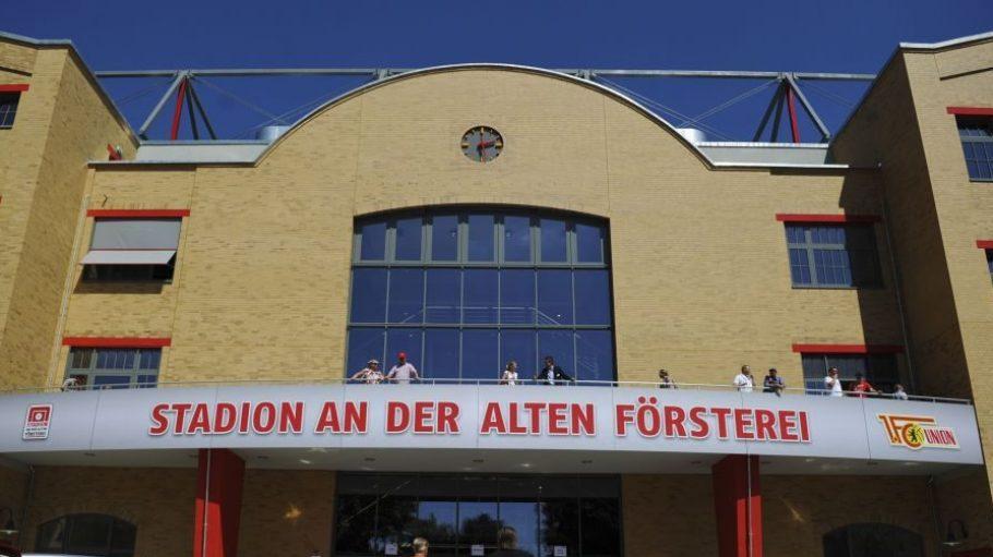 Die Haupttribüne des Stadions an der Alten Försterei wird am 25. Februar für ein Fest der Begegnung geöffnet.