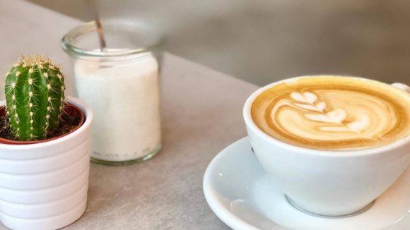 Hier gibt es Flat White und Chai Latte. ©Samuel Orsenne