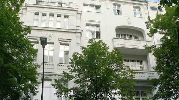 Das ehemalige Hotel Bogota in der Schlüterstraße - inzwischen ist das Haus eingerüstet.