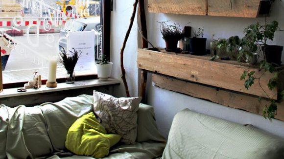Im Baumhaus gibt es Kaffee, Tee und WLAN.
