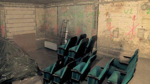 Im kleinsten Saal des neuen Eiszeit-Kinos warten die alten Stühle aus dessen Vorgänger auf ihre Reaktivierung.