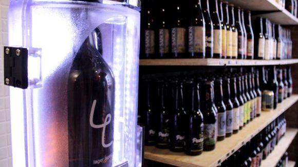 CO2-Anlage zum Befüllen der Gowler in Neuköllns Biershop Lager Lager