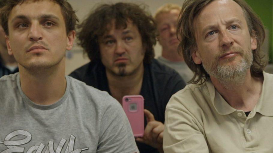 Wenn der Vater mit dem Sohne zum... Frauenaufreißer-Kurs geht. Der Film Fikkefuchs mit Franz Rogowski (links) und Jan Henrik Stahlberg (rechts) läuft ab dem 16. November im Kino.