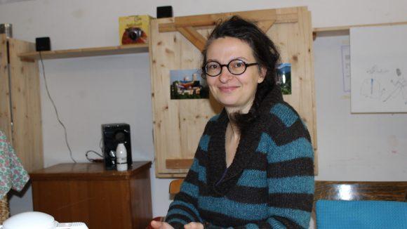 Julie arbeitet drei Tage die Woche ehrenamtlich im Trial and Error. ©Julia Stürzl
