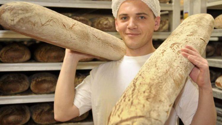 Frischer geht nicht: Im Werksverkauf von Harry-Brot in Marzahn kommen die Backwaren direkt aus dem Ofen.