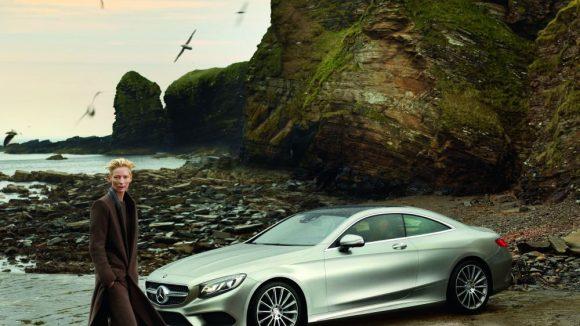 Das Kampagnenmotiv der Mercedes-Benz Fashion Week Berlin S/S 2015, diesmal mit Hollywood-Star Tilda Swinton.