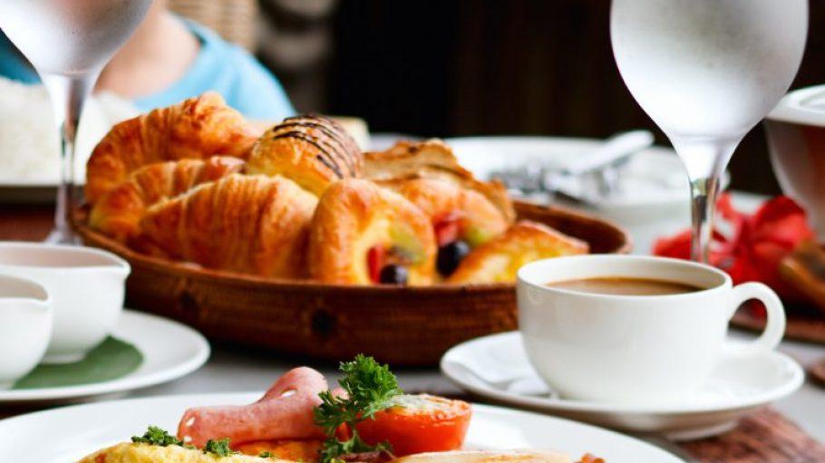 Ein ordentliches Frühstück vertreibt auch den hartnäckigsten Kater der Silvesternacht.