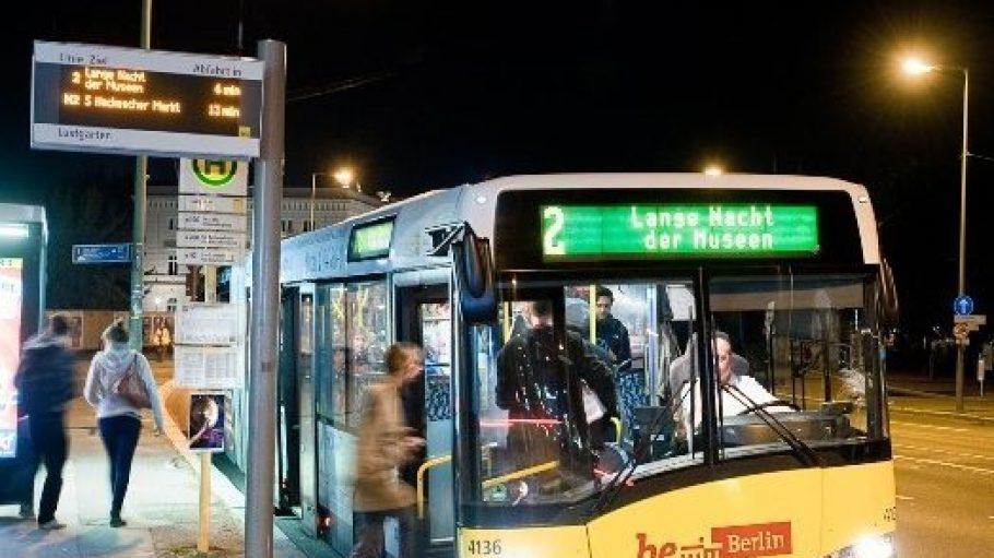 Am Wochenende heißt es wieder: Gut ausschlafen und dann rein in den Shuttle Bus zur Langen Nacht der Museen!