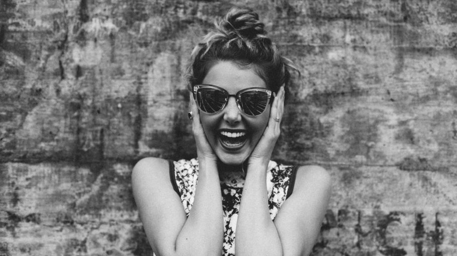 Wann hast du das letzte Mal die Zähne gezeigt und fröhlich gelacht?