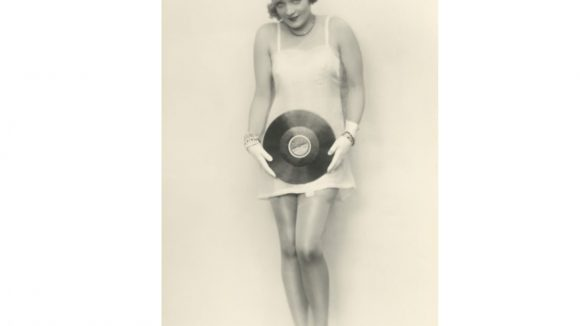 Marlene Dietrich 1926-1927 in einem Fotostudio am Kurfürstendamm. ©F. Badekow