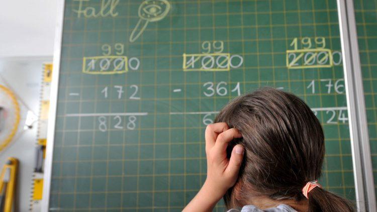 Was 12-Jährigen Kopfschmerzen bereitet, ist für dich kein Problem? Dann versuch dich an den digitalen Mathe-Adventskalendern!