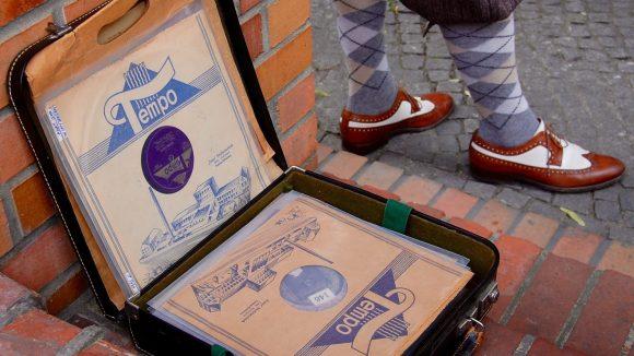 Mehr als 8.000 Schellack-Platten hat der 50-Jährige gesammelt.