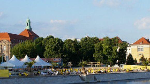 Metaxa Bay / Spreelöwen Beach Bar (c)Hauptbahnhof Blog