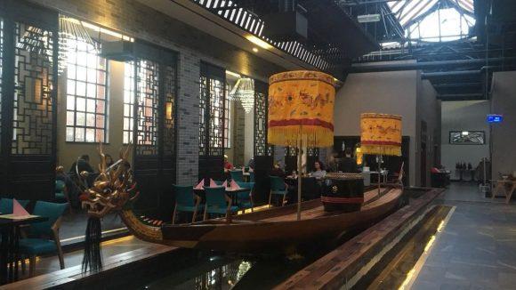 Gerlinde begibt sich auf Entdeckungstour durch das All Seasons Restaurant in Spandau.