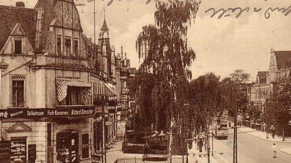 Morgensternstraße Ecke Königsberger Straße, gegenüber des heutigen Restaurants Villa Valiosa.