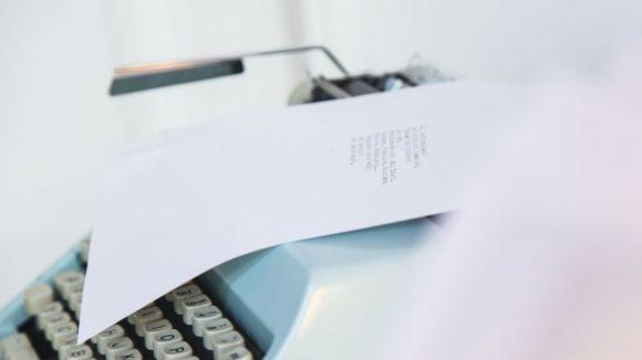 Auch wenn's schön aussieht, auf Schreibmaschine werden die Tipps bei muxmäuschenwild natürlich nicht erstellt.