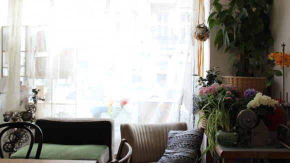 Neben viel Platz fürs Werkeln gibt es natürlich auch eine Ecke zum Entspannen. ©Julia Stürzl