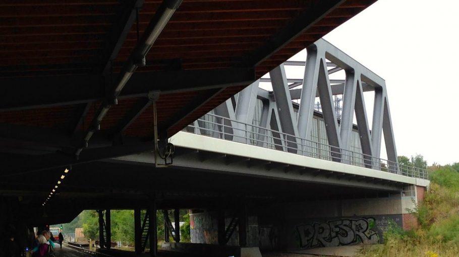 Nutzlos: neue Brücke am Bahnhof Schöneberg