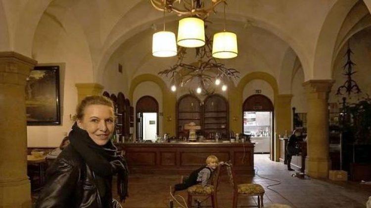 Johanna Wahlig ist neue Pächterin des Forsthaus Paulsborn - und die ganze Familie mischt beim Neustart mit.