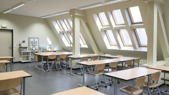 Neuer Zeichensaal im Dachgeschoss des Hofgebäudes des Ernst-Abbe-Gymnasiums ©Susanne Tessa Müller