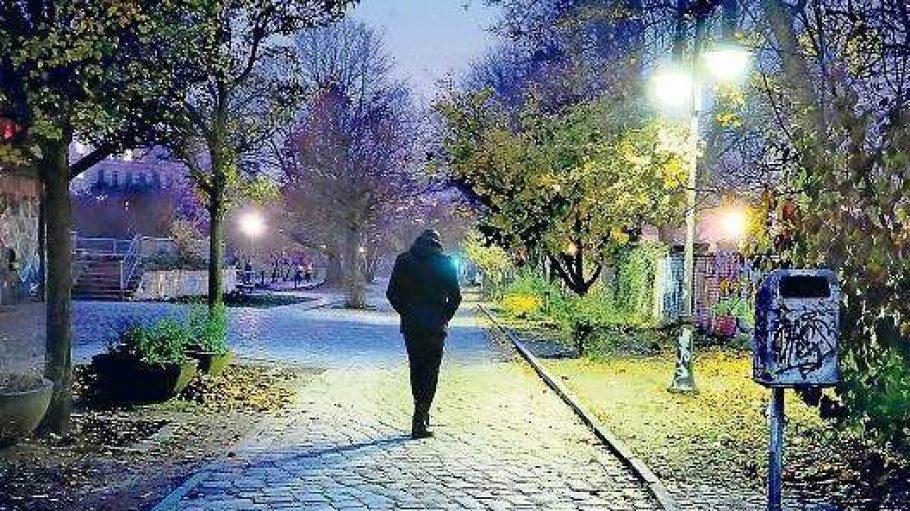 Gut ausgeleuchtete Parks sind in Berlin eine Seltenheit. Umso wichtiger ist der Selbstschutz.