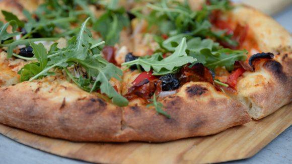 Knuspriger Boden, frischer Belag und leckerer Käse: Vom 12. bis zum 18. April wird wieder die True Italian Pizza Week gefeiert.
