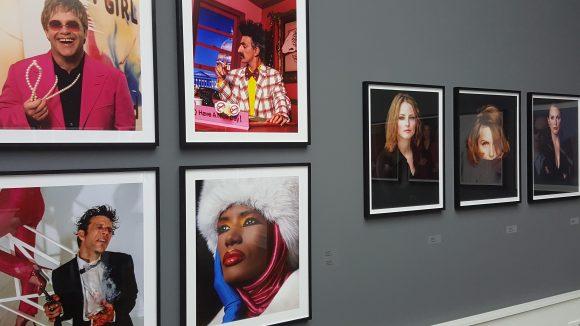 Plus: Farbfotografien von Greg Gorman. (c) Trieba
