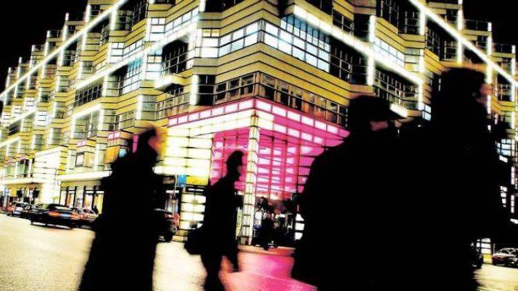 Seit 1997 prägt das Quartier 206 das architektonische Bild in Mitte. Seine Zukunft ist ungewiss.