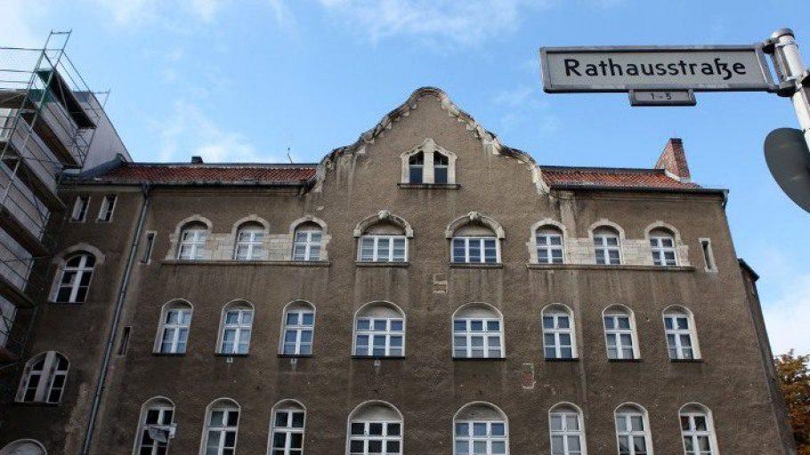 Ein zukünftiges Zuhause? Die Alte Polizeiwache im Rathauskiez.
