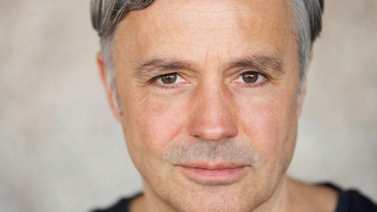 """Rene Hofschneider war bereits häufig im TV zu sehen (""""Berlin, Berlin"""" oder """"Danni Lowinski""""). Ab 15. Juli steht er in den Wühlmäusen auf der Bühne."""