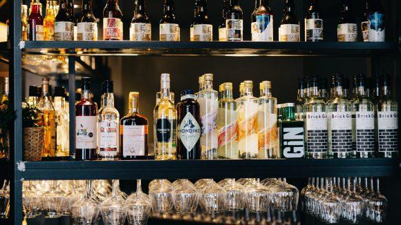 Ob Säfte, Bier oder eigene Cocktailkreationen: Für Drinks ist im Sæson natürlich auch gesorgt!