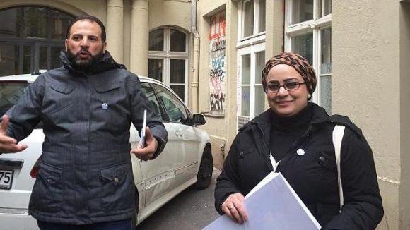 Samer (l.) und Arij (r.) führen als Tourguides durch ihr Neukölln.
