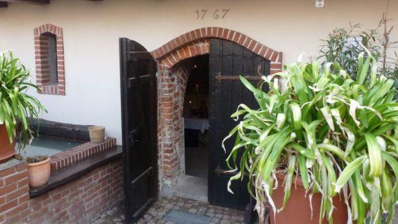 """Nach fast 250 Jahren öffnet dieser Weinkeller in der Köpenicker Altstadt wieder seine Türen. Klick dich hier durch mehr Fotos von """"Schüsslers Keller"""" ..."""