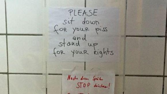 Toilette im Acker Stadt Palast