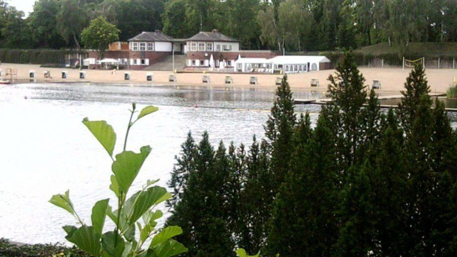 Der Plötzensee und sein Strandbad: Nahe gelegene Alternative zu den bekannten Badeseen.