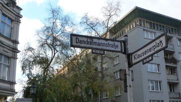 Streifzug durch den Kiez rund um Klausenerplatz und Danckelmannstraße in Charlottenburg.