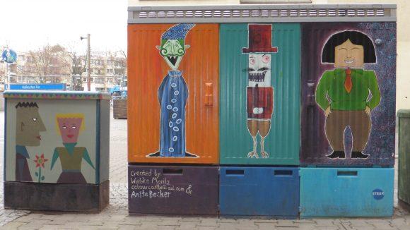 Bunte Kiezkultur: Kreative Street Art rund um den Mehringplatz schafft eine kleine visuelle Abwechslung an dem sonst eher tristen Rondell.