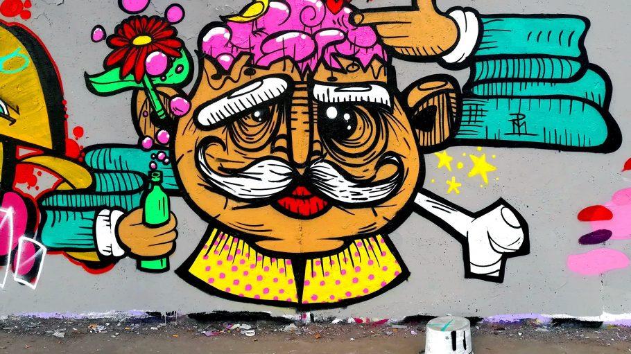 Street-Art ist in Berlin allgegenwärtig. Wie dieses bunte Graffiti im Mauerpark von Muffe&Pranke. Aber bei Berlins Mural Festival wird's noch viel größer als das.