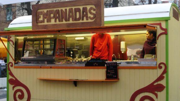 Street Food auf Achse, Empanadas, im Hinterhof der Kulturbrauerei