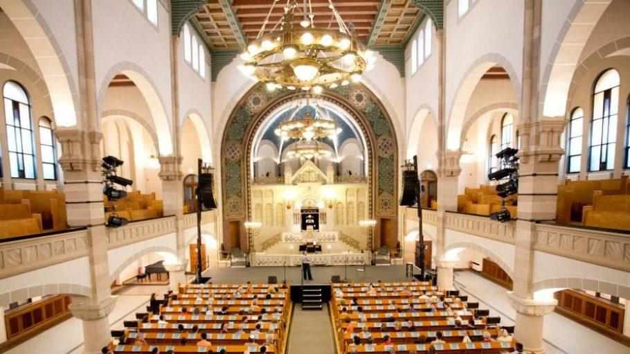 Die Synagoge Rykestraße von innen.