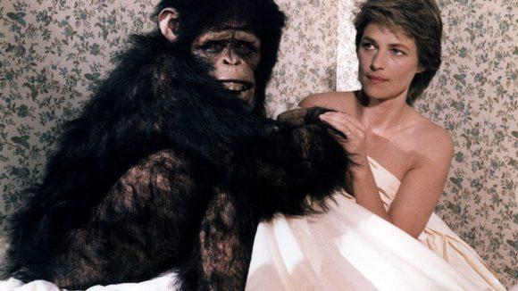 """Szene aus """"Max, Mon amour"""" von 1986."""