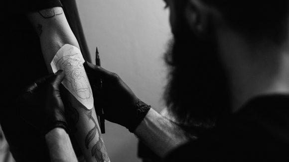 Tattooschablone von Mo Ganji. (c) Kerem Bakir