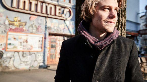 Tom vor dem Intimes Kino in der Boxhagener Straße. ©Ralph Penno