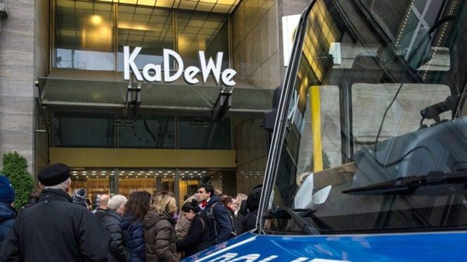 Am Samstag vor dem 4. Advent 2014 wurde im KaDeWe zum wiederholten Mal eingebrochen.