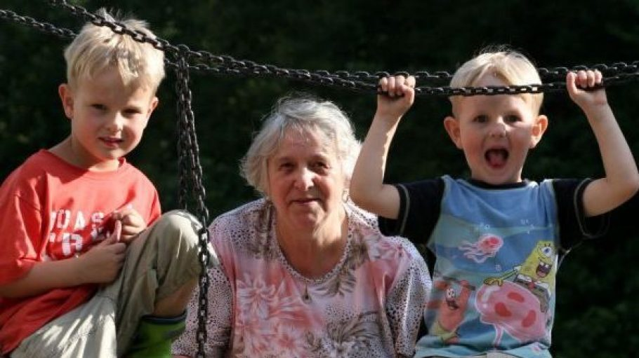 In Tempelhof werden ehrenamtliche Großmütter- und väter gesucht.