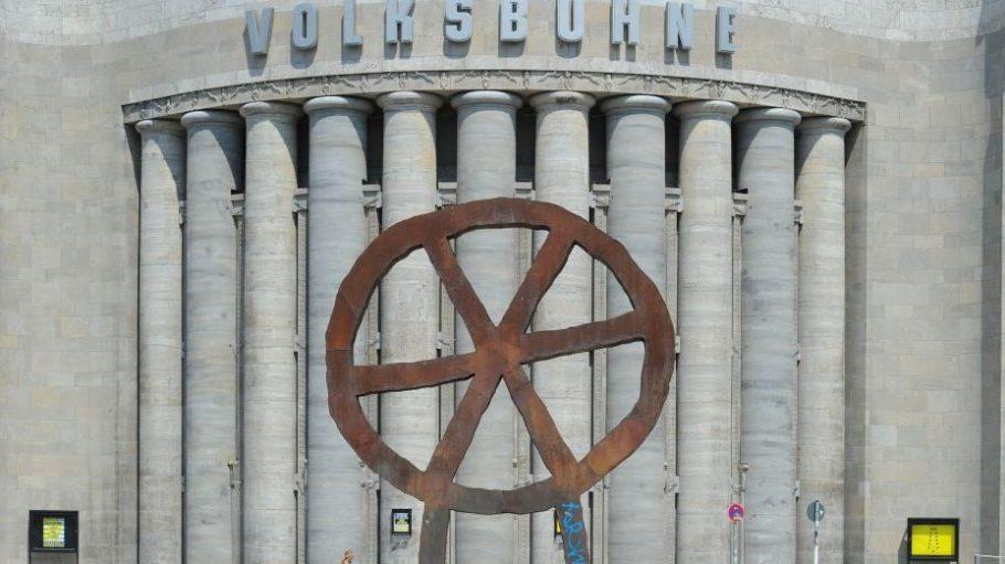 Die Volksbühne am Rosa-Luxemburg-Platz hat in den letzten Jahren viel mitgemacht - nicht nur äußerlich.