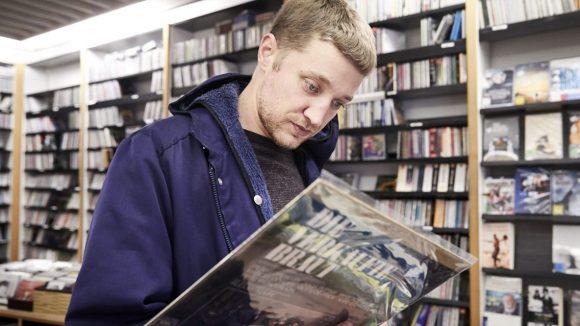 Wenn sich Maeckes Musik zulegt, dann gerne Platten.