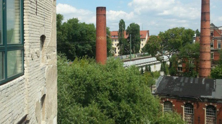 Blick auf die Wiesenburg von der Gerichtstraße 23 aus.