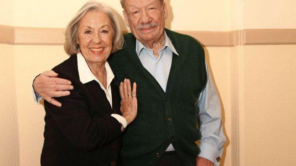 Schauspieler Wolfgang Völz und seine Frau Roswitha sind auch nach 60 Jahren noch ein glückliches Ehepaar.