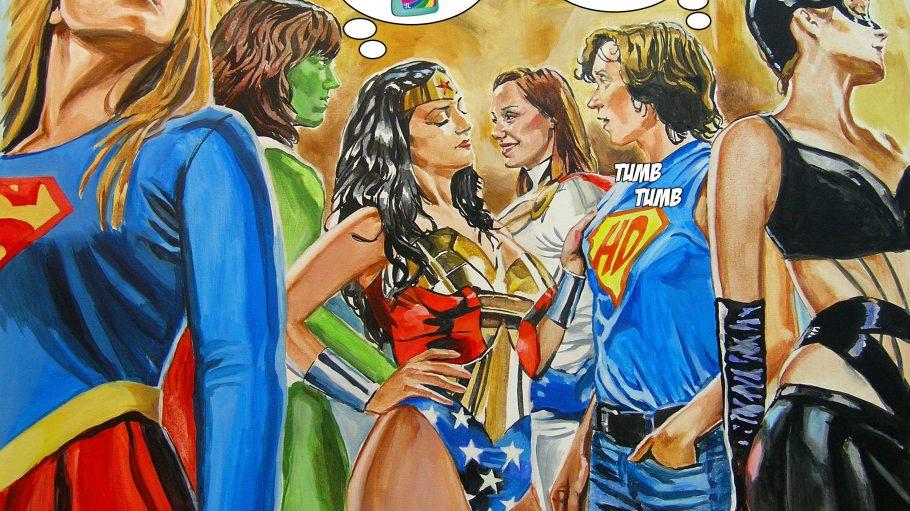 """Lesbische Superheldinnen gibt es nicht nur in der Fantasie! """"Horny Dyke"""" ist eine von ihnen und freut sich hier darüber, von Wonder Woman angefasst zu werden."""